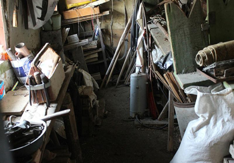 У Ярмолинецькому районі двоє 22-річних молодиків обікрали сусідів