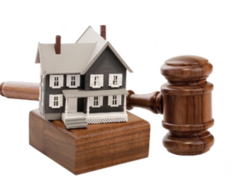 Суд виселив з будинку жінку, яка 20 років проживала у ньому без правових підстав