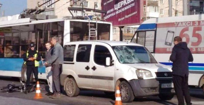 ДТП сталася на перехресті вулиць Кам'янецької і Подільської