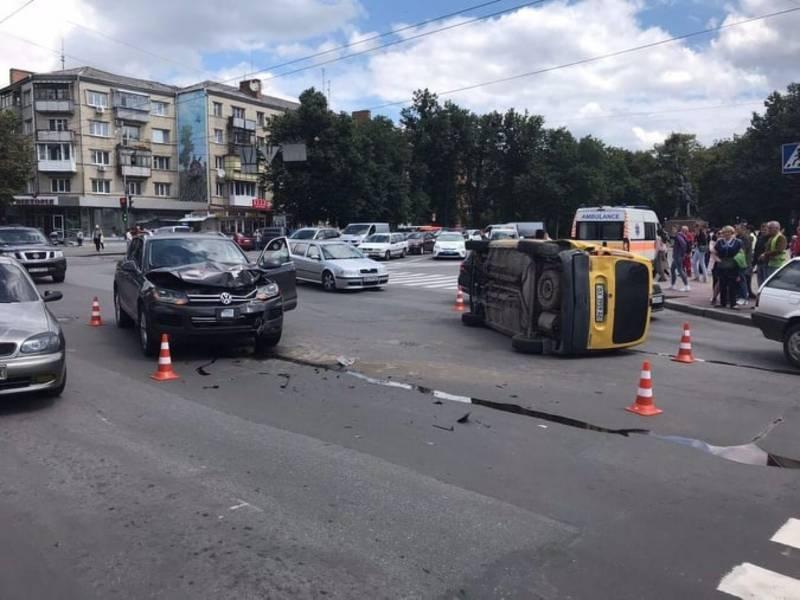 ДТП сталася біля обласної філармонії