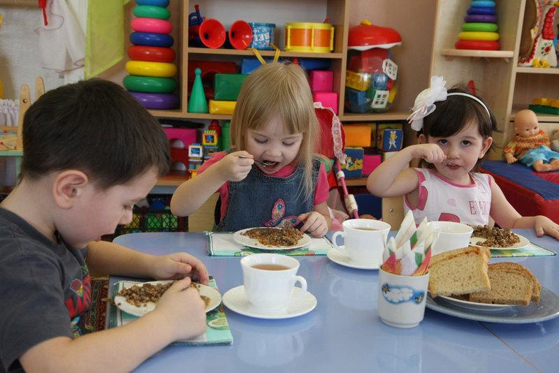 Щоб покращити якість харчування дітей, у хмельницьких ДНЗ підвищать плату на 5 гривень