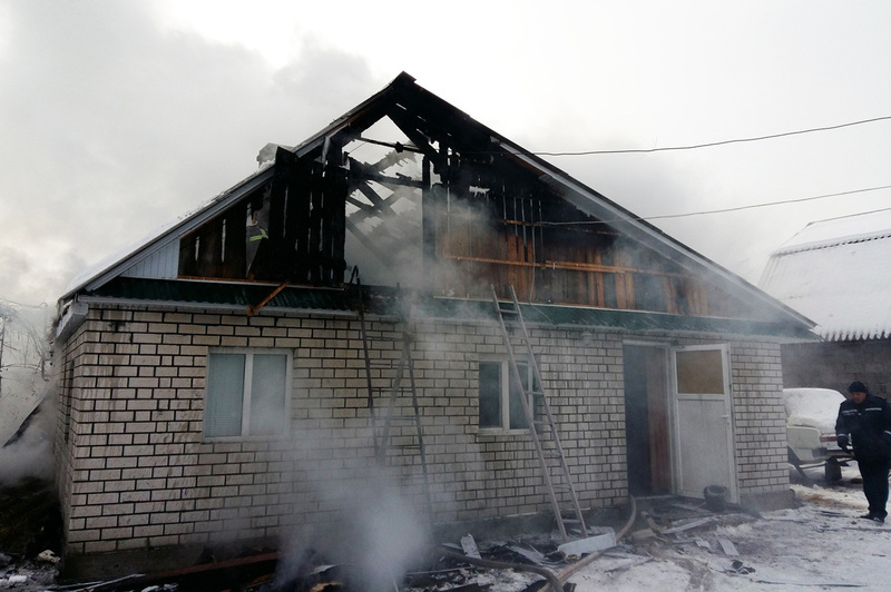 У двох районах області горіли житлові будинки