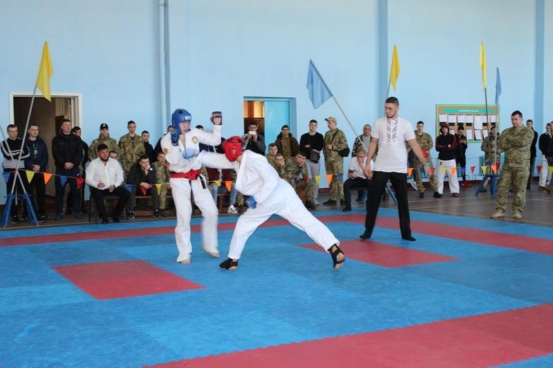 Змагання з рукопашного бою завжди проводять на базі академії