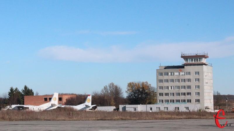 Поточний ремонт пункту керування польотами ймовірно проводитиме хмельницьке товариство «РБК «Поділля»