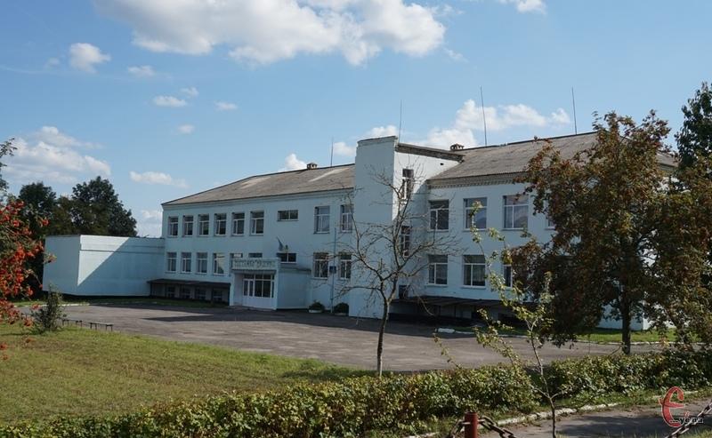 У Проскурівській школі цього року навчалися б заледве 20 дітей на 9 класів.