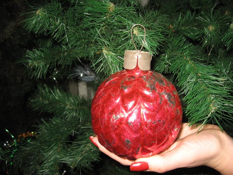 Експонатом січня у краєзнавчому музеї стала червона «Куля»