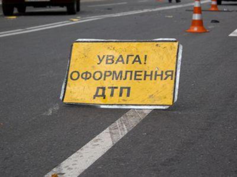 На Хмельниччині у неділю сталося три аварії, де травмувалися люди