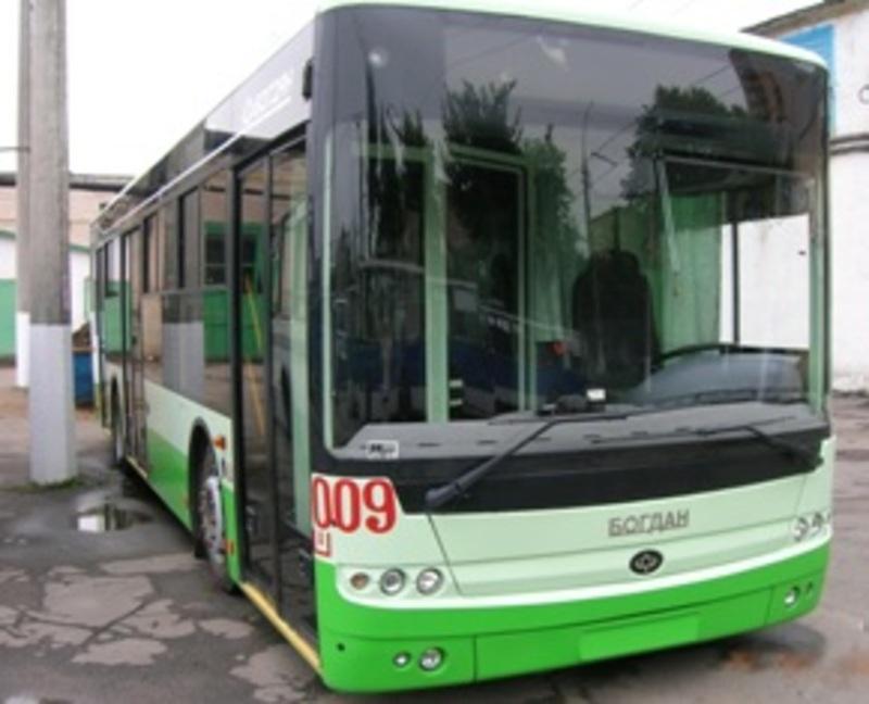Тролейбус тимчасово замінять на автобус