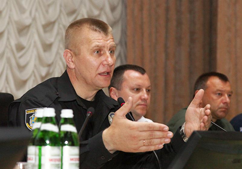 Микола Семенишин каже, що за перші 6 місяців 2016 було проведено більше п'ятдесяти рейдів з перевірки роботи самих поліцейських.