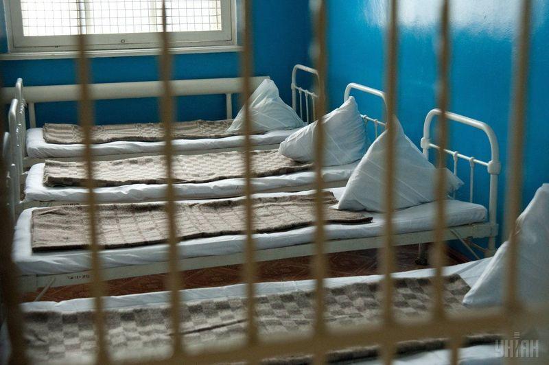 Порушення прав людини виявили в одній із психлікарень Хмельниччини