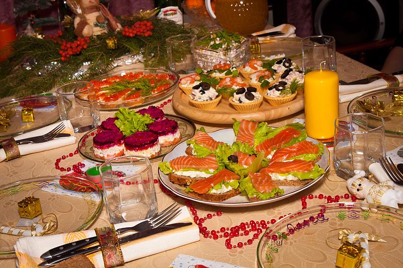Півень однозначно схвалить рибні страви й рис, які є основною азійської кухні.