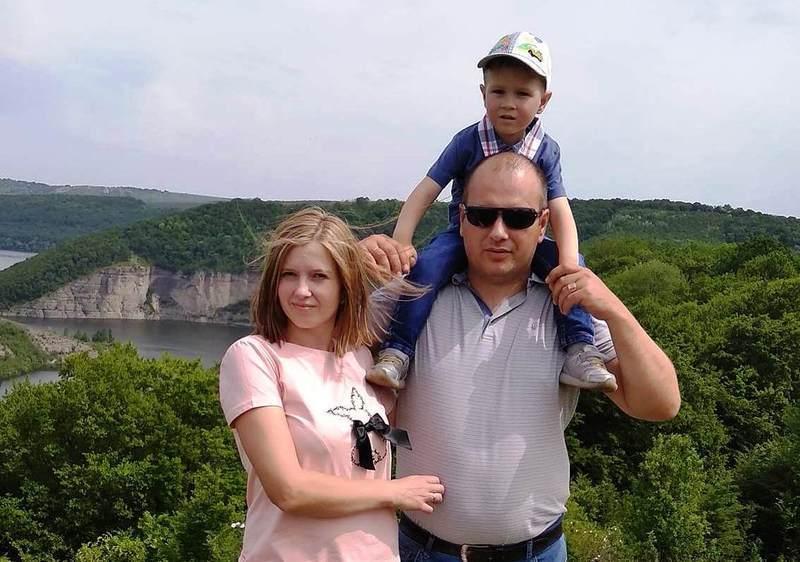 Наразі Ростислав з мамою перебувають на лікуванні в Іспанії