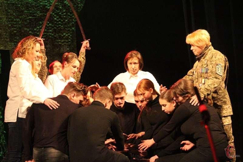 Шість реальних історій прозвучало на сцені хмельницького театру.