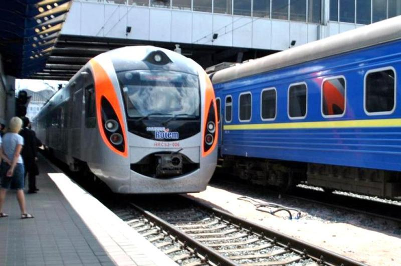 Через Хмельницький курсуватиме три нових поїзди