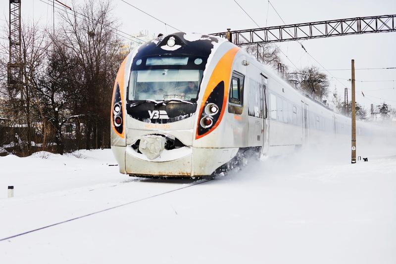 Продаж квитків на потяги до Івано-Франківської області Укрзалізниця припинить з опівночі 26 лютого
