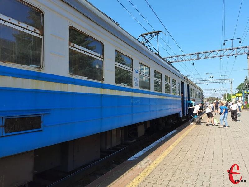 Через Хмельницький цей потяг їхатиме вночі