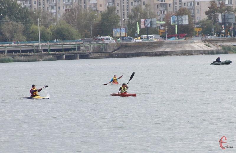 Готуючись на Південному Бузі в Хмельницькому, потім спортсмени підкорюють всеукраїнські змагання