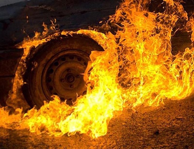 Пожежа вантажного автомобіля виникла близько півночі