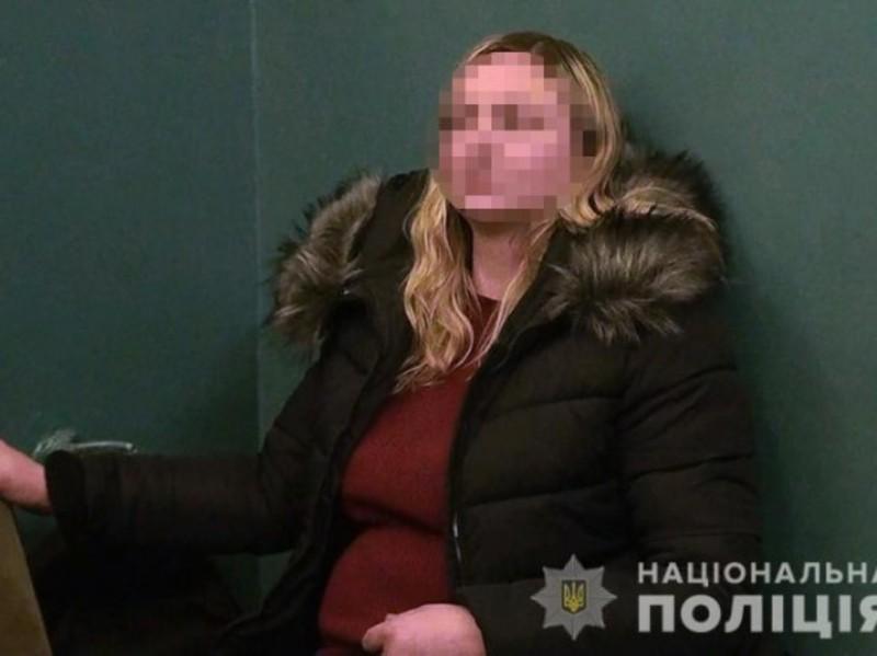 Уродженка Хмельницької області схопила 5-річного хлопчика та потягнула його за собою, але її завадили мати дитини та небайдужі перехожі