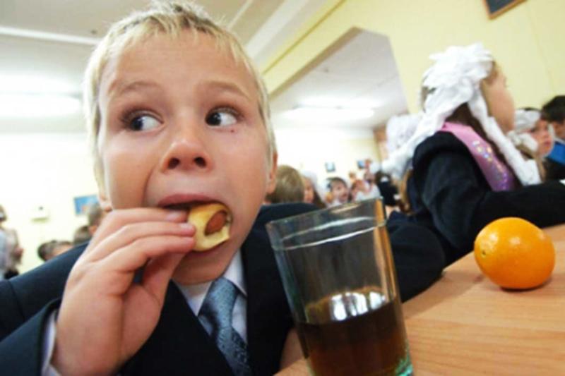 Відтепер безкоштовне харчування дітей 1-4 класу може здійснювати з місцевих бюджетів, а не через субвенцію через держбюджет