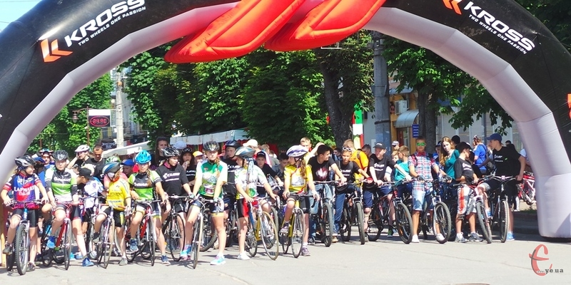 велосипедисти проїдуться центральними вулицями міста