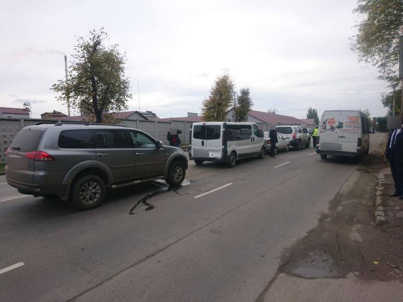 В ДТП постраждав 29-річний водій автомобіля Opel Vivaro