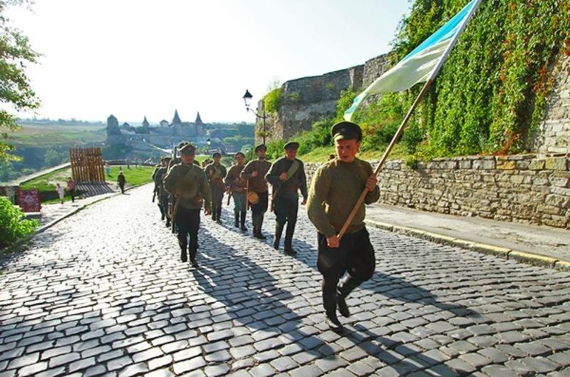 100 років тому в Кам'янці-Подільському відбулася урочиста присяга Директорії, уряду, чиновників і війська на вірність УНР