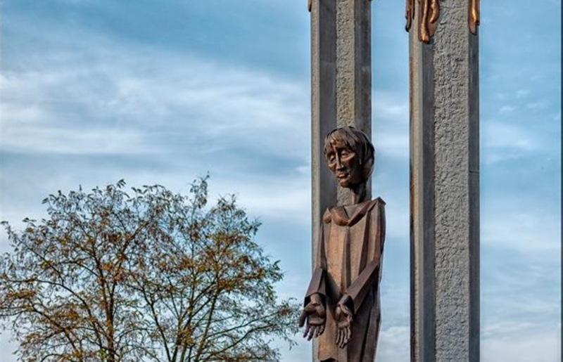 Пам'ятнику додали смислового навантаження