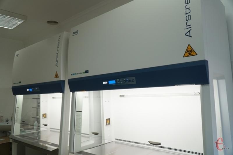 На Хмельниччині функціонують дві лабораторії, що проводять дослідження на COVID-19 методом ПЛР