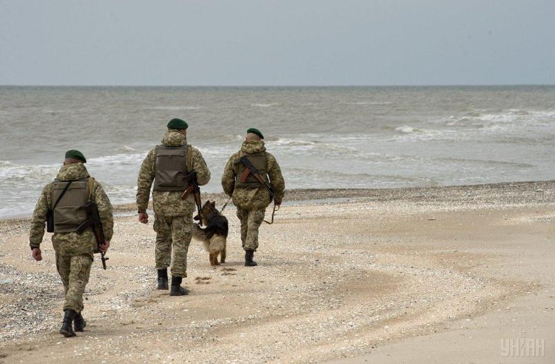 Питання введення військового стану порушили у зв'язку з подіями в Азовському морі