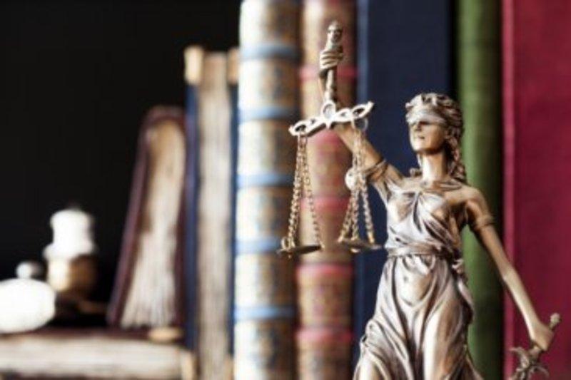 В Ізяславі суд виніс вирок жінці, що вдарила по обличчю односельчанку