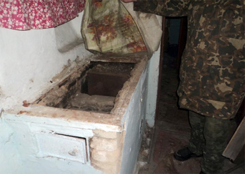 Металеву плиту з пічки чоловік здав на металобрухт