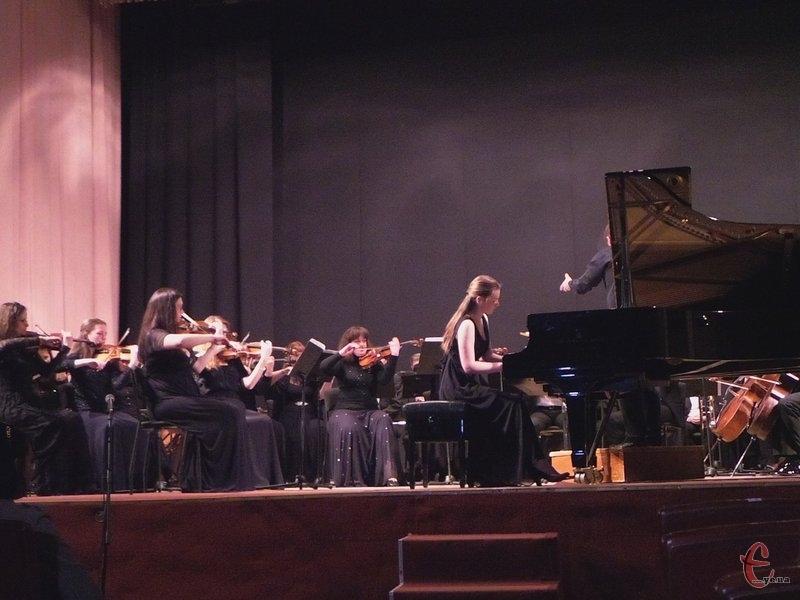 Солісти зіграють із симфонічним оркестром