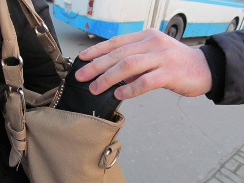 Найчастіше кишенькові крадіжки трапляються у громадському транспорті.