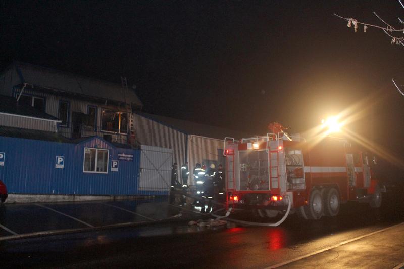 Рятувальники ліквідували пожежу на підприємстві з виготовлення полімерних виробів