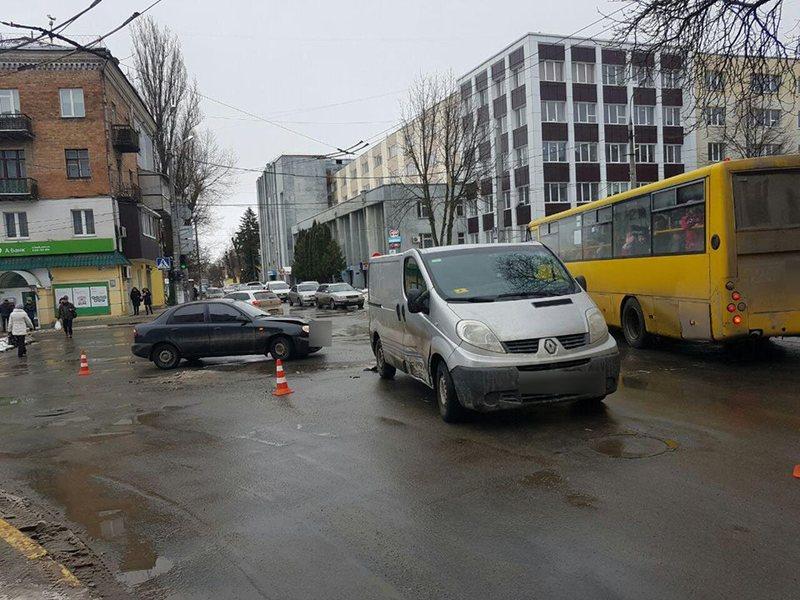 В результаті зіткнення постраждав пасажир автомобіля