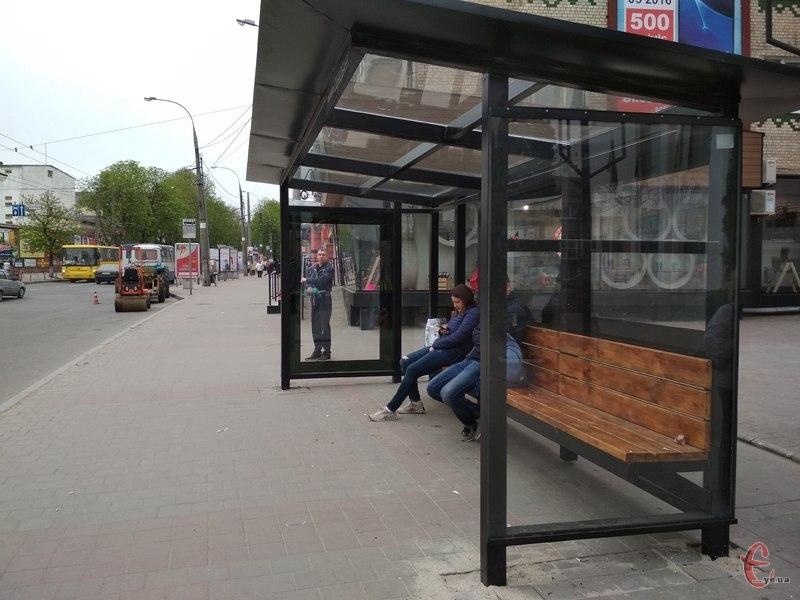 На місціх для очікування громадського транспорту будуть встановлені сіті-лайти
