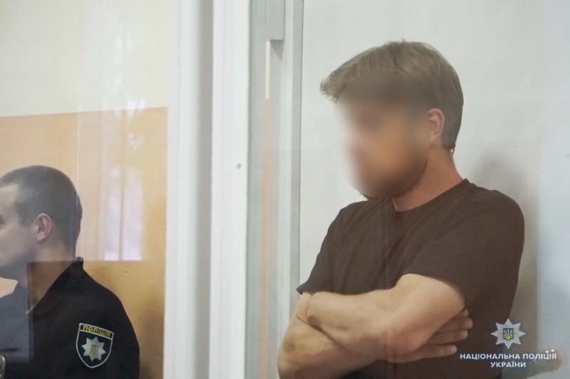 У Хмельницькому поліцейські впродовж двох годин затримали молодика, який підозрюється у вбивстві вагітної співмешканки