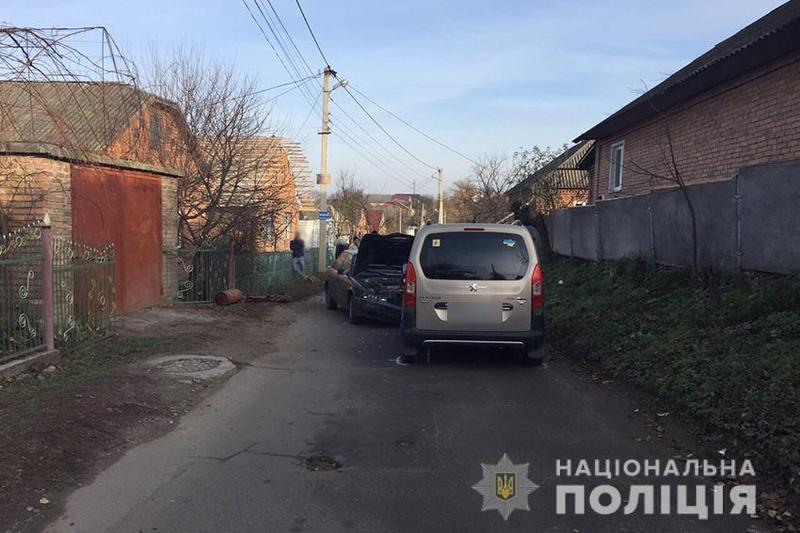 Хмельницькі поліцейські розшукали водія, який вчинив дві ДТП і двічі втік з місця події