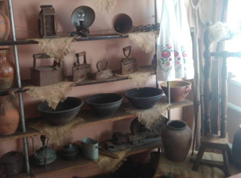 Наразі уже зібрали чималу колекцію старовини, з якої формуватимуть експозиції музею