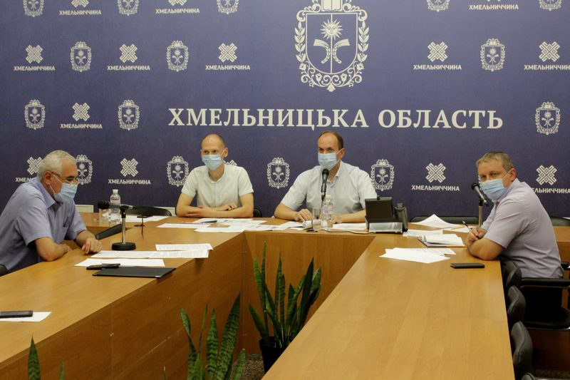 Посилення деяких карантинних заходів стосується Летичівського, Красилівського та Старокостянтинівського районів, а також міст Шепетівка й Старокостянтинів
