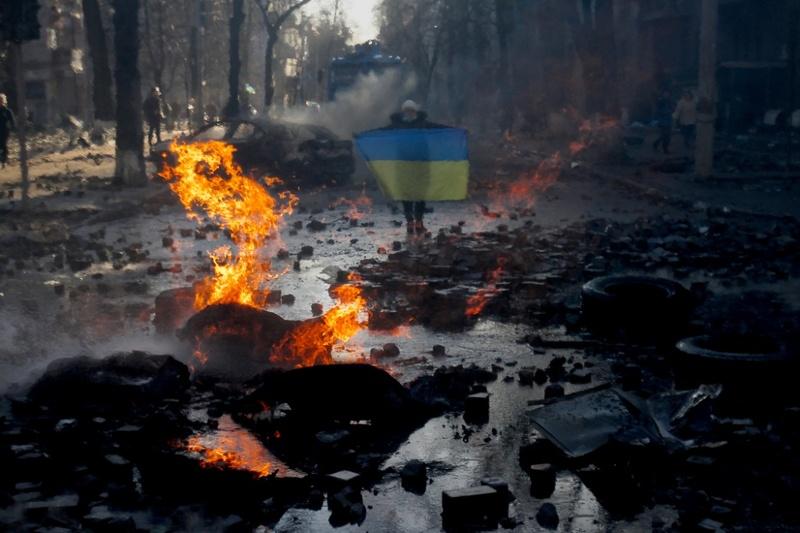 Учасникам Революції Гідності вдалося повалити режим Януковича. Та, як кажуть деякі хмельничани, революція на цьому не завершилася