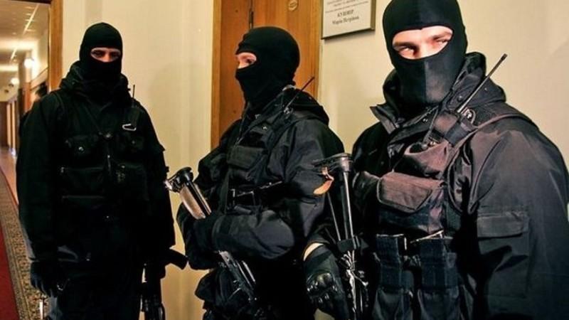 Обшуки проводять в управлінні поліції