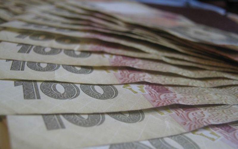 За даними обласного статуправління, середня ноімнальна зарпалата в березні становила  6 875 гривень