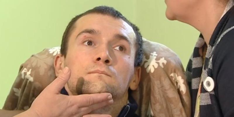 Нині Олександр Петраківський перебуває на лікуванні в Польщі