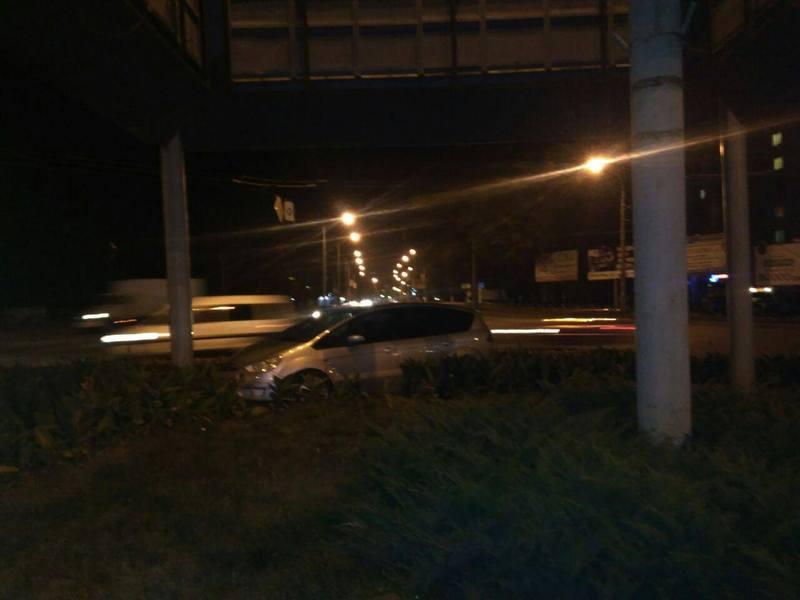 У черговому огляді сайту Є можна побачити відео восьми аварій, які в вересні сталися в Хмельницькому