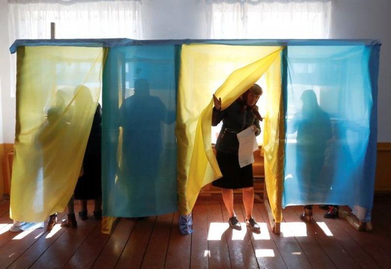 До поліції Хмельницької області надійшло 8 повідомлень щодо можливих правопорушень