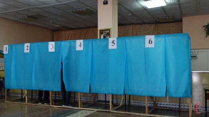 Другий тур виборів Президента України триває