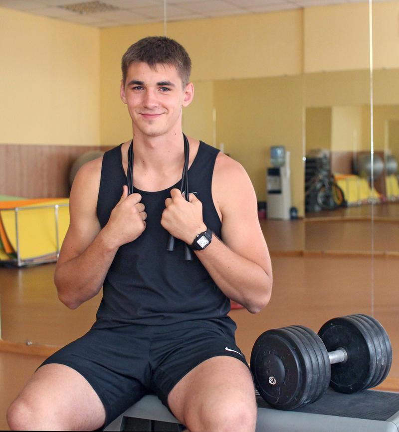 Під час занять виконують вправи, притаманні різним видам спорту.