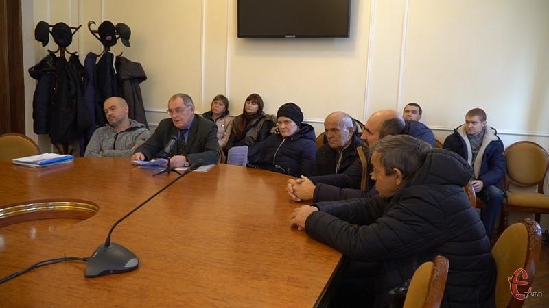 З проханням підтримати розгляд питання перерозподілу медичної субвенції на черговій сесії, звернулись пацієнти та активісти до профільної комісії обласної ради